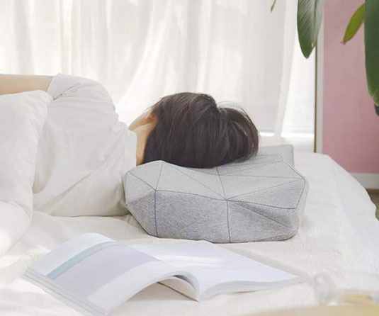 Ergonomic Smart Music Pillow 1
