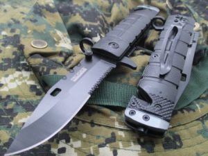 Tactical Glass Breaker Knife