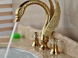 Vomiting Swan Faucet 1