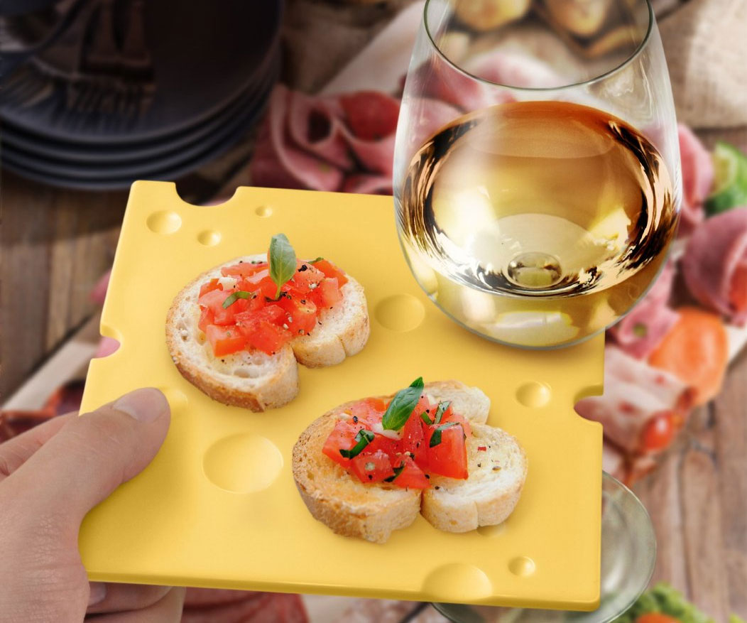 Wine Holding Party Plates 1